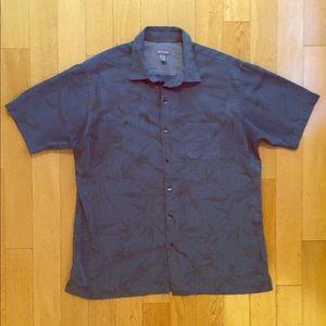 Van Huesen Hawaiian shirt